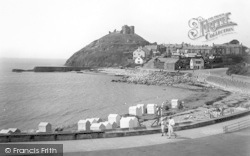 Criccieth, Castle And Sands 1935