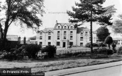 Lion Hotel c.1960, Criccieth