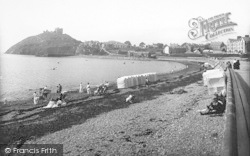 Criccieth, The Sands And Parade 1913