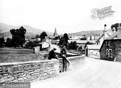 Crickhowell, In The Village c.1930