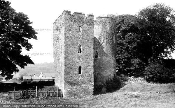 Crickhowell, the Castle 1893