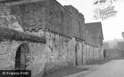 Crickhowell, Tretower Court 1953