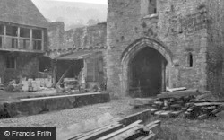 Crickhowell, Tretower Court, The Entrance 1953