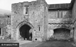 Crickhowell, Tretower Court, The Entrance 1955