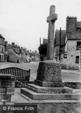 Cricklade, the War Memorial c1955