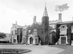 Hall 1925, Cromer