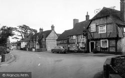 Crondall, The Plume Of Feathers c.1960