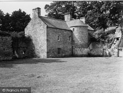 Crossford, House At Craignethan Castle 1951