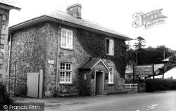 Crossgates, Llanbadarn Hotel c.1955