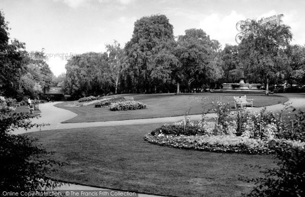 Photo of Crouch End, Priory Park c.1965
