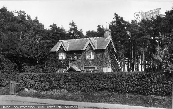 Crowborough, Cross, Beacon House 1900