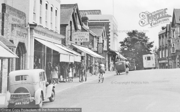 Photo of Crowborough, The Broadway c.1955