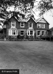 Crowborough, War Memorial Hospital c.1960