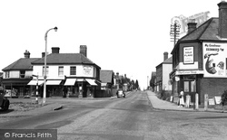 Crowthorne, High Street c.1955
