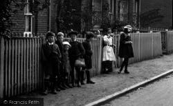Crowthorne, Village Children 1921