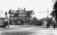Croydon, the Swan and Sugarloaf Hotel 1902