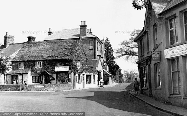 Cuckfield, Broad Street c1960.  (Neg. C426019)  © Copyright The Francis Frith Collection 2008. http://www.francisfrith.com