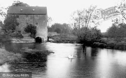 Cuddesdon, The Old Mill And River Thames c.1965
