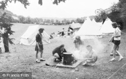 Cudham, Cooking At Girl Guide Camp c.1960