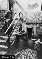 Cullercoats, Nancy's Yard 1915