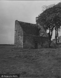 Cupar, Struthers Castle Dove Cot 1953