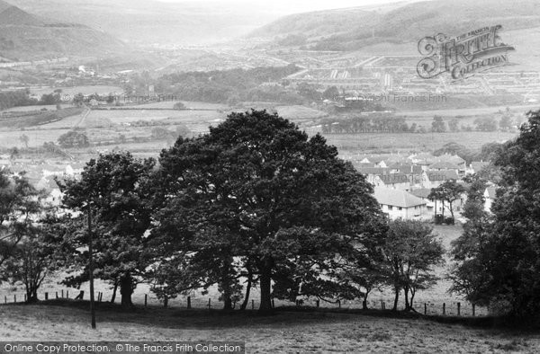 Photo of Cwmbach, c.1960