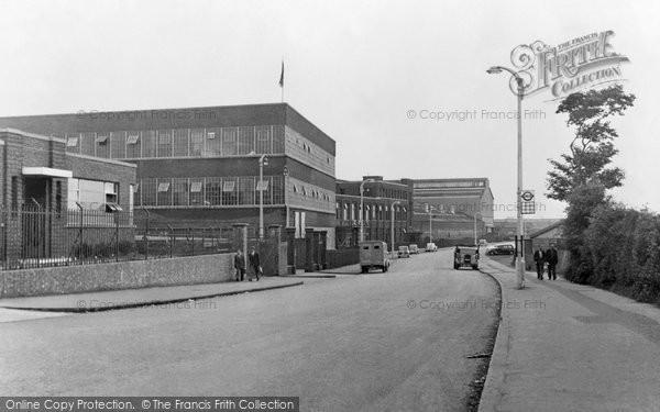Photo of Dagenham, Chequers Lane c.1950
