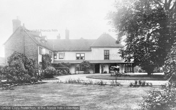 Photo of Dagenham, Valence House c.1920