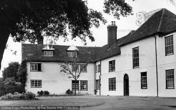 Photo of Dagenham, Valence House c.1950