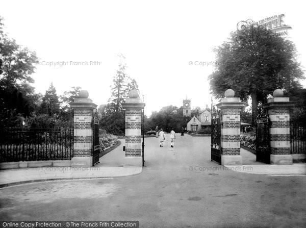 Photo of Darlington, Entrance to South Park 1929, ref. 82527