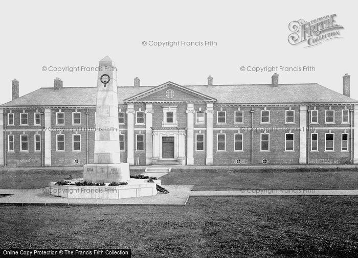 Photo of Darlington, War Memorial and New Hospital 1926, ref. 79031d