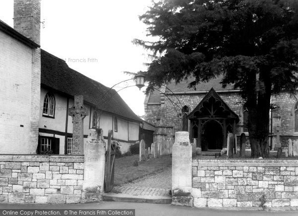 Datchet, the Lychgate and Church Porch c1955