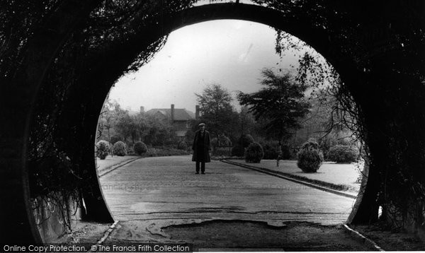 Photo of Davyhulme, The Archway c.1955