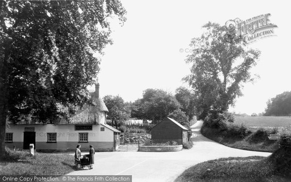 The Crossroads, Debden, c.1955 © Copyright The Francis Frith Collection 2005. http://www.francisfrith.com