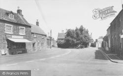 Deddington, Chapel Square c.1965