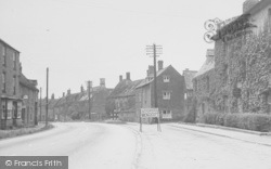 Deddington, High Street c.1950