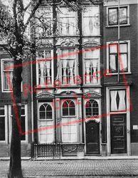 Old Delft House c.1920, Delft