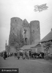 Castle c.1957, Delvin