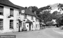 Denmead, The White Hart c.1960