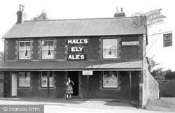 The Bell Inn, Ely Road c.1935, Denver