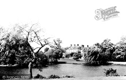 Derby, The Lake, Markeaton Park c.1960