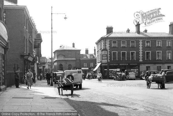 Photo of Dereham, Market Square c.1955