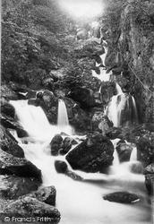 Lodore Falls 1895, Derwent Water