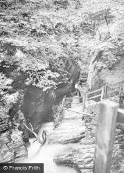 Devils Punch Bowl c.1890, Devil's Bridge