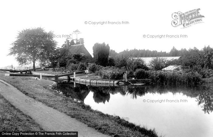 Devizes, on the Canal 1898