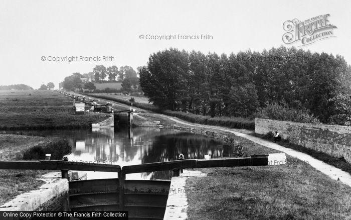 Devizes, the Caen Hill Flight 1898