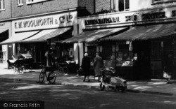 Didcot, Shops On The Broadway c.1960