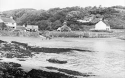 Cwm-Yr-Eglwys Bay c.1960, Dinas Cross