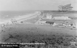 Dinas Dinlle, Bryn Mor Bungalow Hotel And General View c.1955