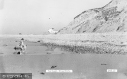 Dinas Dinlle, The Beach c.1955